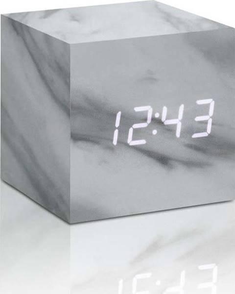 Gingko Šedý budík v mramorovém dekoru s bílým LED displejem Gingko Cube Click Clock