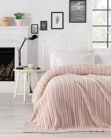 Světle růžový přehoz přes postel Camila, 220 x 240 cm