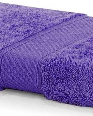 Tmavě fialový ručník DecoKing Bamby Purple, 50 x 100 cm