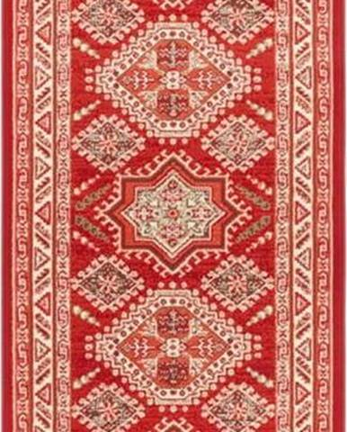 Červený koberec Nouristan Saricha Belutsch, 80 x 250 cm